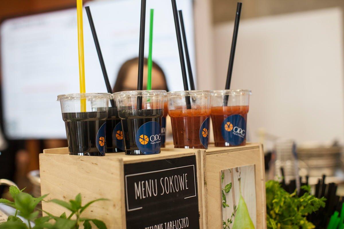Konferencja biznesowa ABSL i świeżo wyciskane soki